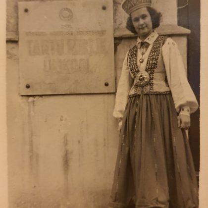 Ināra Strazdiņa 1956.gada maijs - Pirmie Baltijas valstu studentu dziesmu un deju svētkos